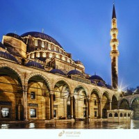 Tüm İslam aleminin Mevlid Kandili mübarek olsun.🙏 #mevlidkandili #iyikandiller #hayırlıkandilller #kandil #allah #islam #cami #dua #hzmuhammed #ahşapstand #istanbul